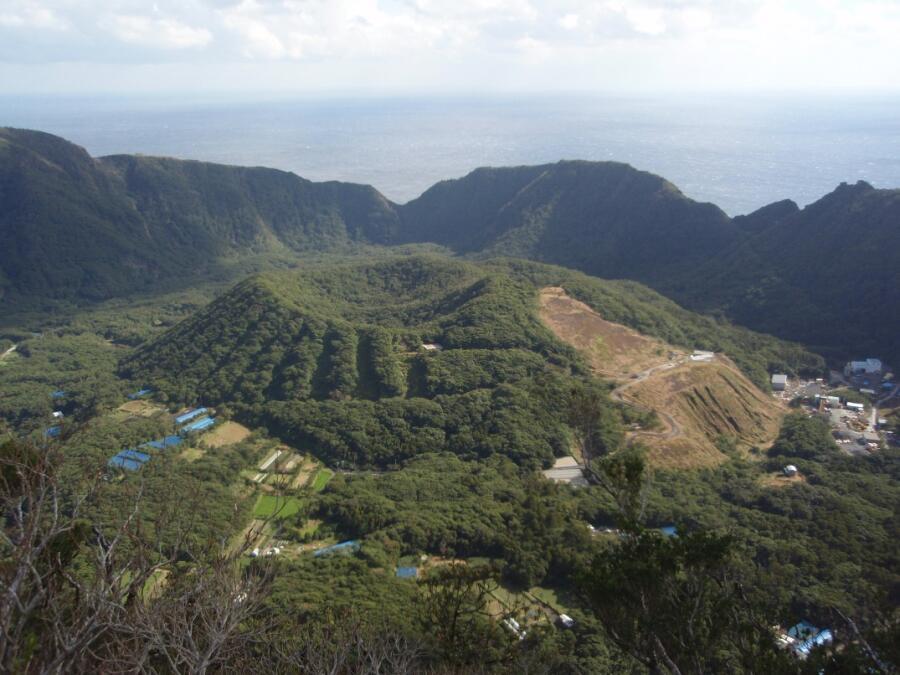 Кальдера вулкана Аогасима, 5марта 2008г.
