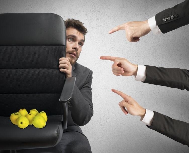 Подумайте, что вы делаете: решаете задачу или осуждаете Петю, который не разделил яблоки поровну?