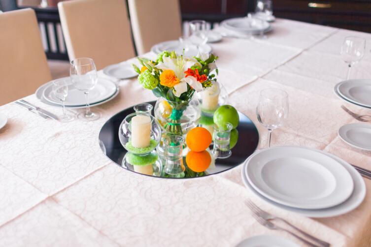 Как правильно сервировать стол?