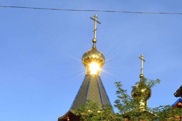 Купола Храма иконы Песчанской Божией Матери.