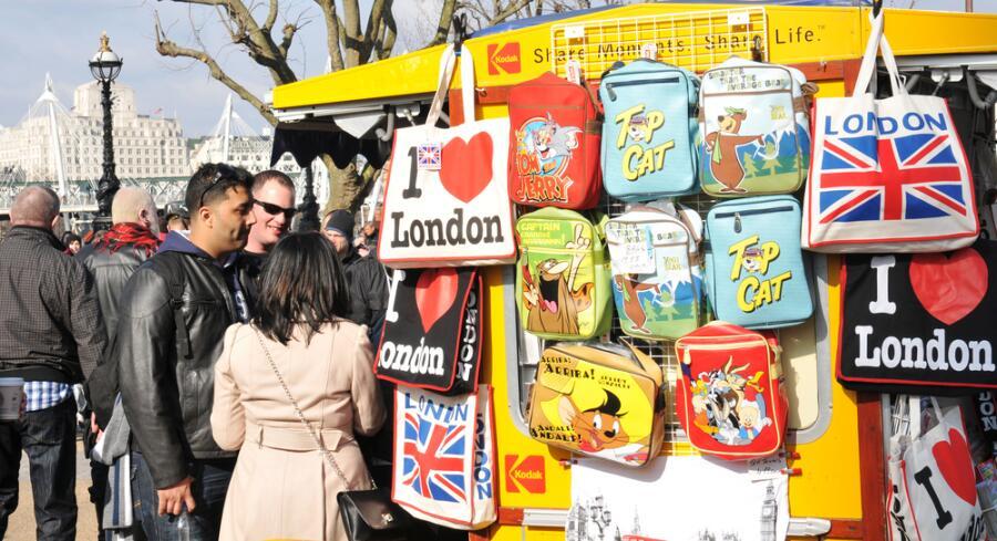 Сувениры из Европы: что привезти в первую очередь?