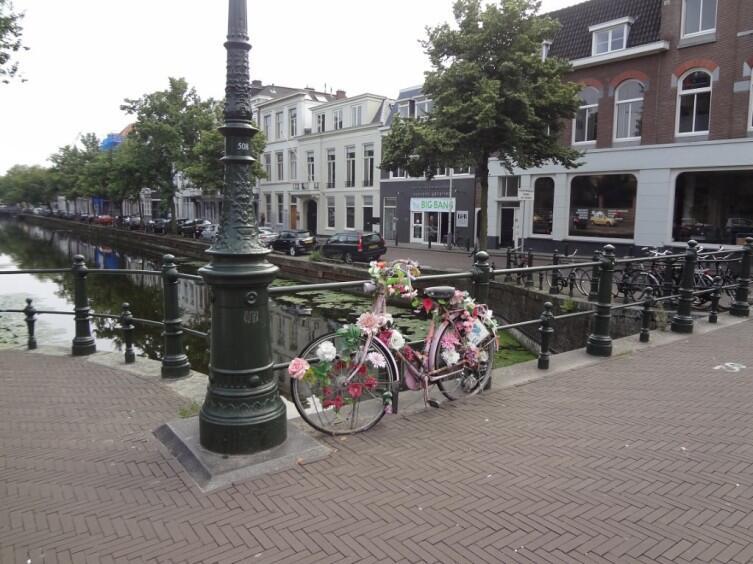 Каналы и велосипеды— визитная карточка Гааги, да и всей Голландии