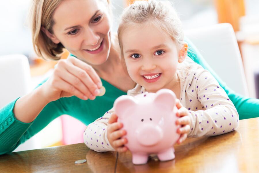 Карманные деньги для ребёнка: когда и сколько?