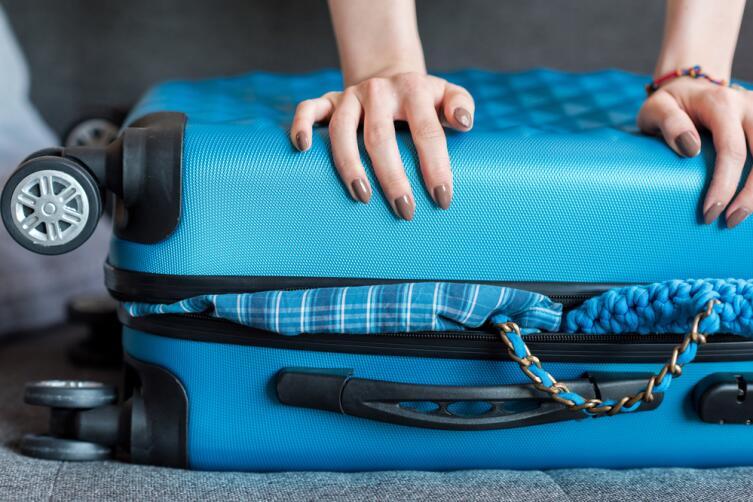 Как чемодан поставили на колеса?