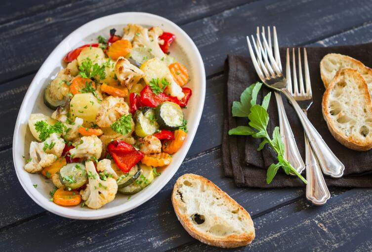 Хотите насладиться нежным вкусом запеченного овощного рагу? Пожалуйста!