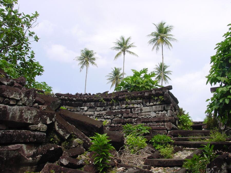 Сооружения Нан-Мадола