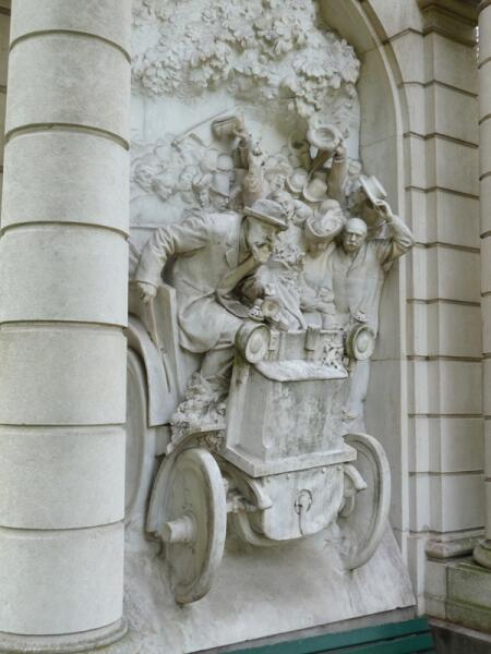 Памятник Левассору