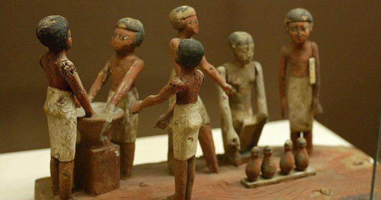 Деревянная модель приготовления пива в древнем Египте