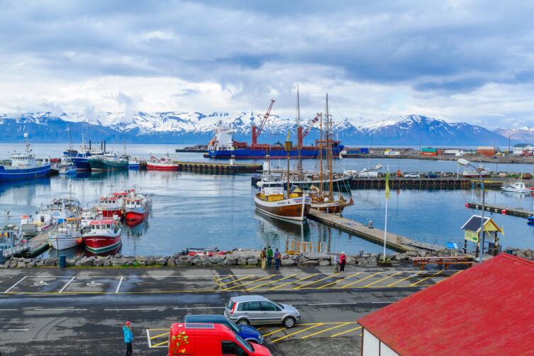 Гавань города Хусавик, Исландия