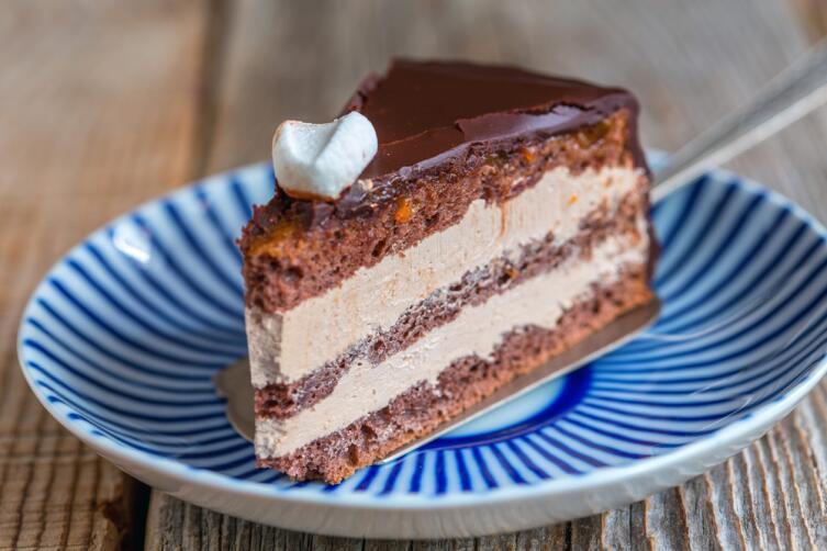 Как приготовить праздничный торт?