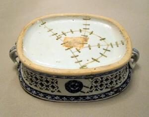 Как превратить разбитую посуду в произведение искусства?