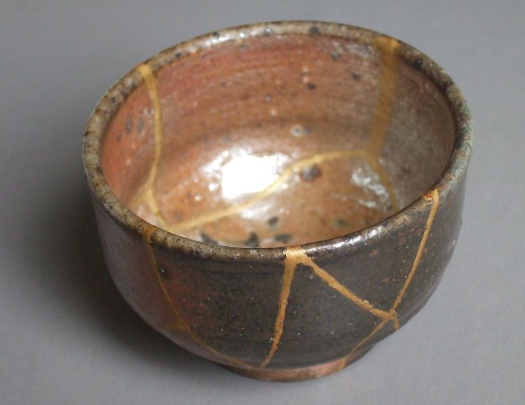 Отреставрированная чаша