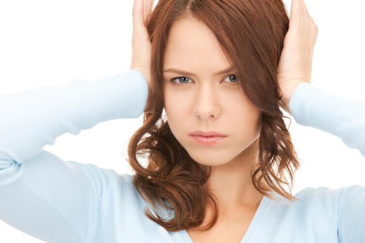Почему возникает шум в ушах и как это лечится?