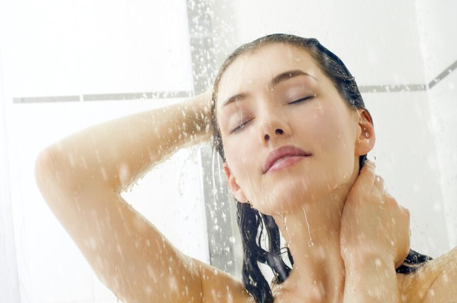 Как наслаждаться минутами тишины и покоя, принимая душ? Откровения уставшей мамы