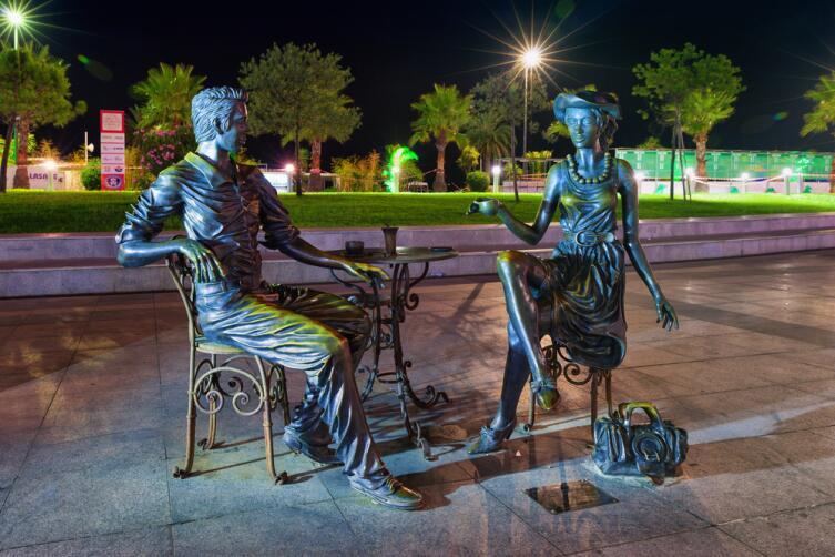 Скульптурная композиция «Я, ты и Батуми»