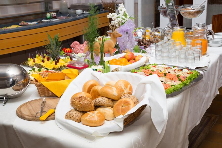 «Шведский стол» в отеле