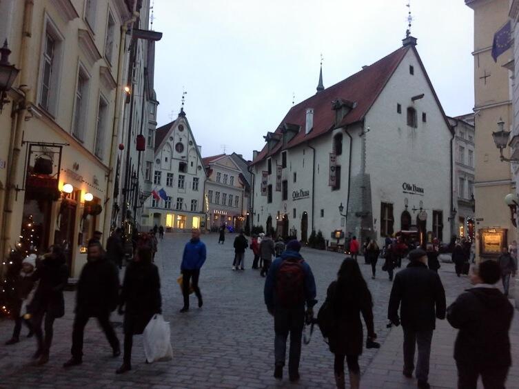 В центре— знаменитый ресторан Олде Ханса