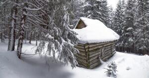 Как правильно очистить крышу от снега? Дачные байки