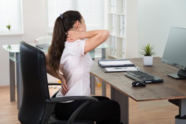 Как поддерживать правильную осанку? Простые советы для самонастройки