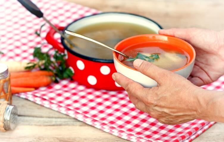 Как приготовить бульон с клецками?