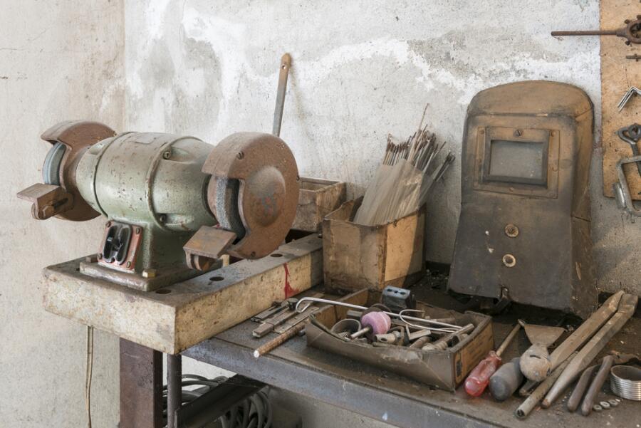 Байки старьевщицы: кому нужны старые вещи? Инструменты