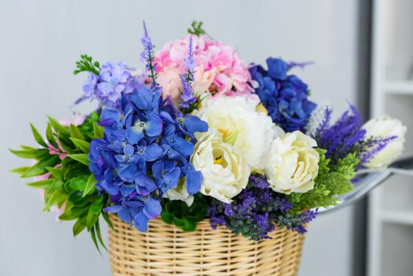 Какие цветы подарить на 8 Марта?