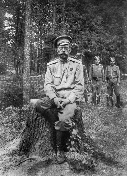 Фотография Николая Романова, сделанная после его отречения в 1917 году в Царском Селе