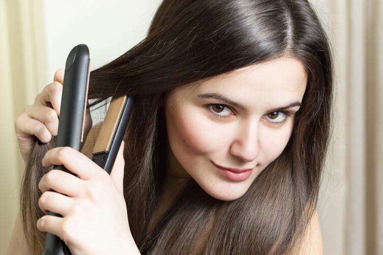 Как правильно выпрямлять волосы?