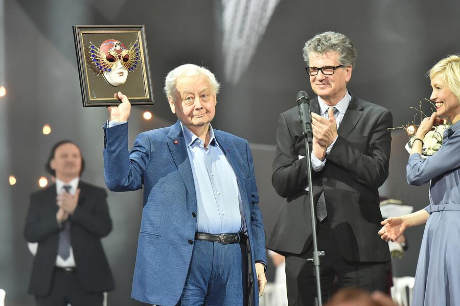 На церемонии вручения премии «Золотая маска», 19 апреля 2017 года