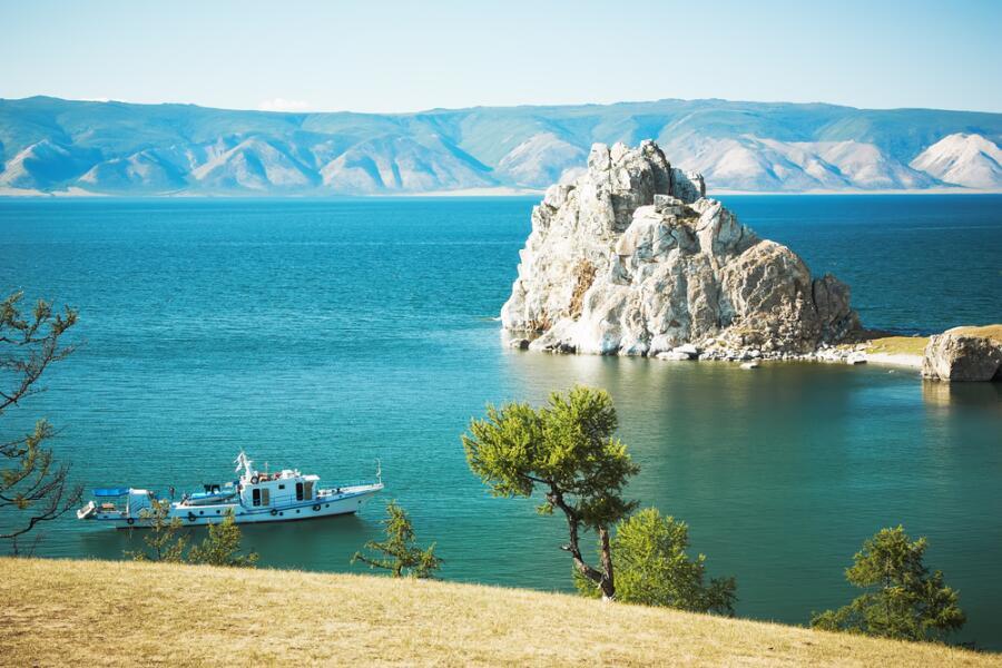 Мыс Скала Шаманка, озеро Байкал