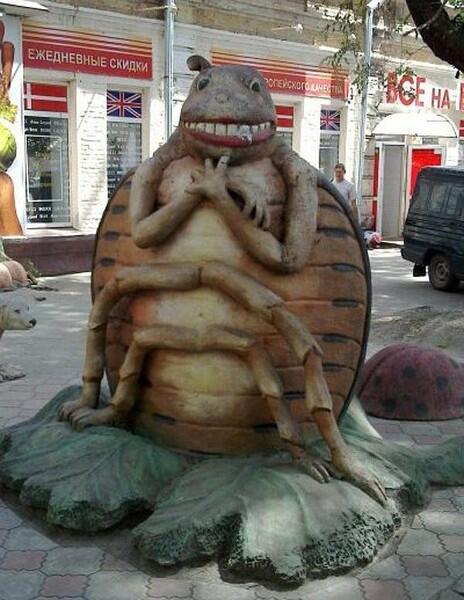 Колорадский жук в городе Днипро, Украина