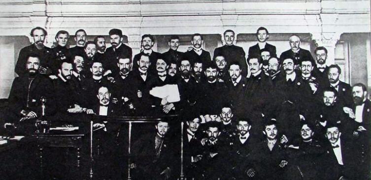 Троцкий среди рабочих депутатов Петербурга, 1905 год
