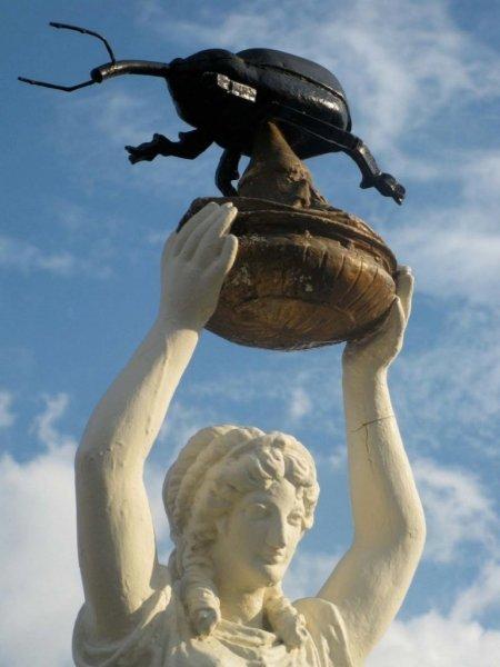 Памятник хлопковому долгоносику в городе Энтерпрайз, штат Алабама