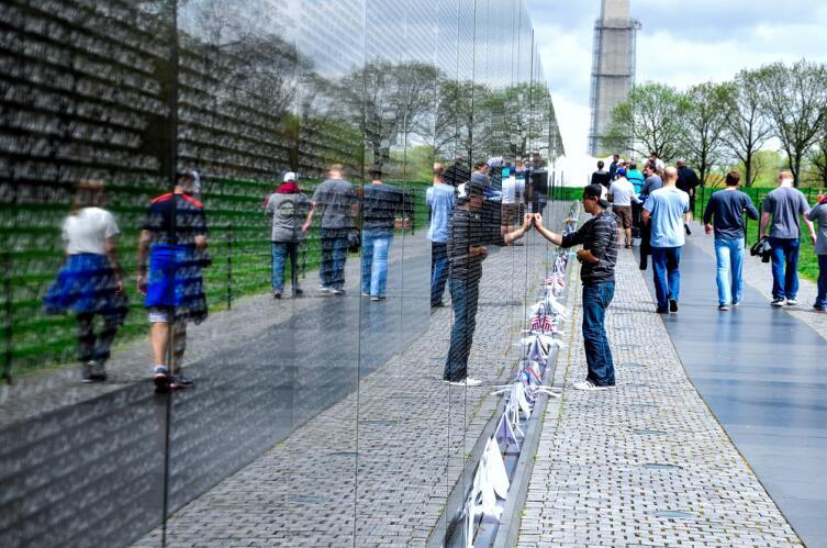 Мемориал ветеранов Вьетнама в Вашингтоне, округ Колумбия, США