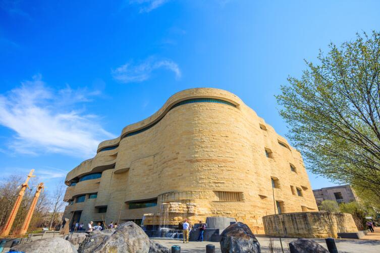Музей американских индейцев в Вашингтоне, округ Колумбия, США