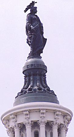 Статуя Свободы на куполе Капитолия