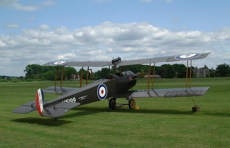 Самолет Avro 504