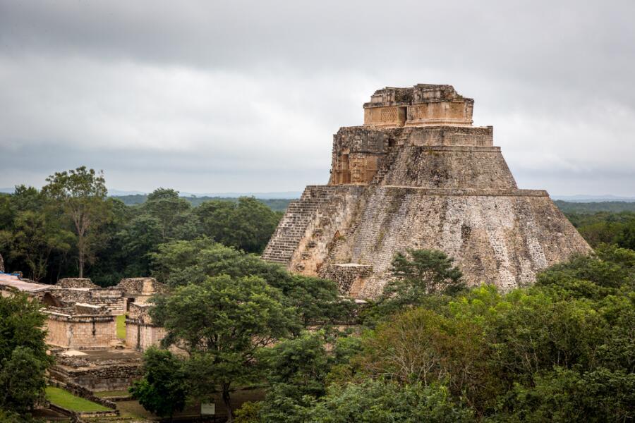 Вид на руины города Ушмаль, Мексика