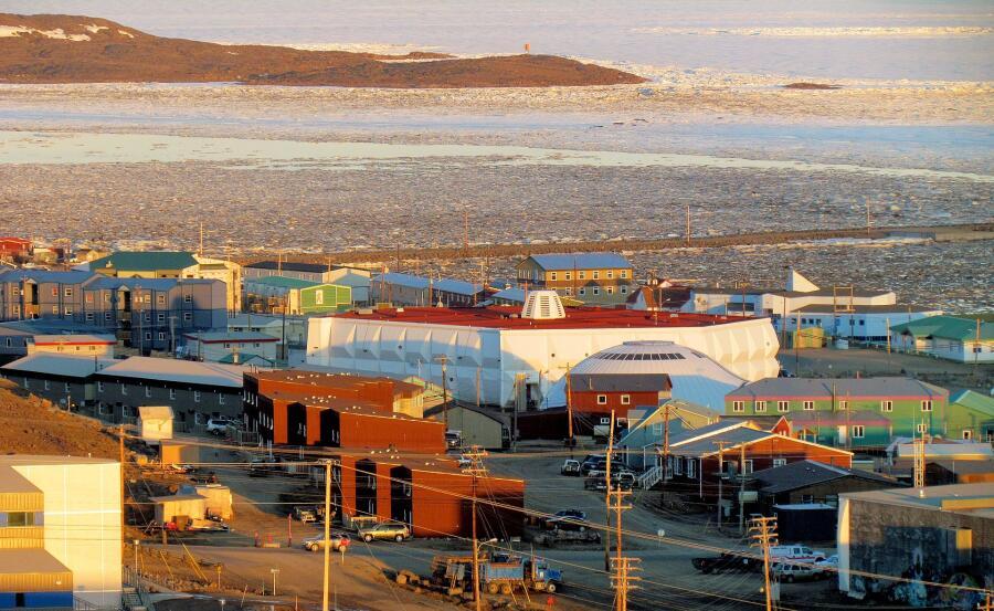 Икалуит - столица территории Нунавут, Канада