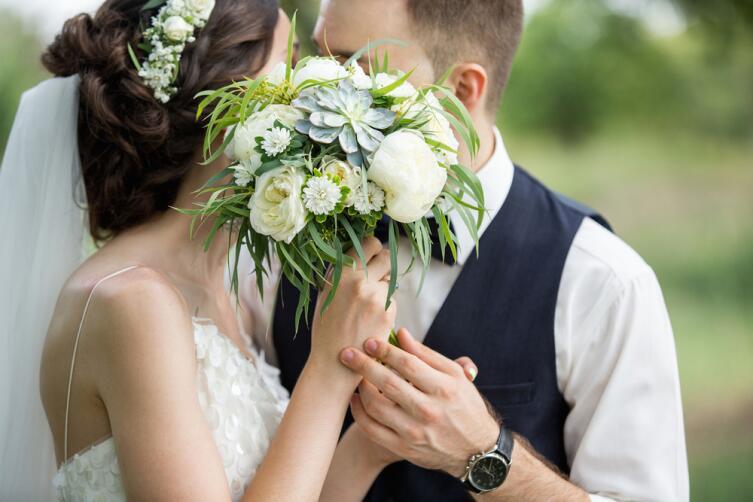 Какие свадебные прически самые популярные?