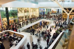 ОБЖ горожанина: как вести себя в торговых центрах в случае ЧП?