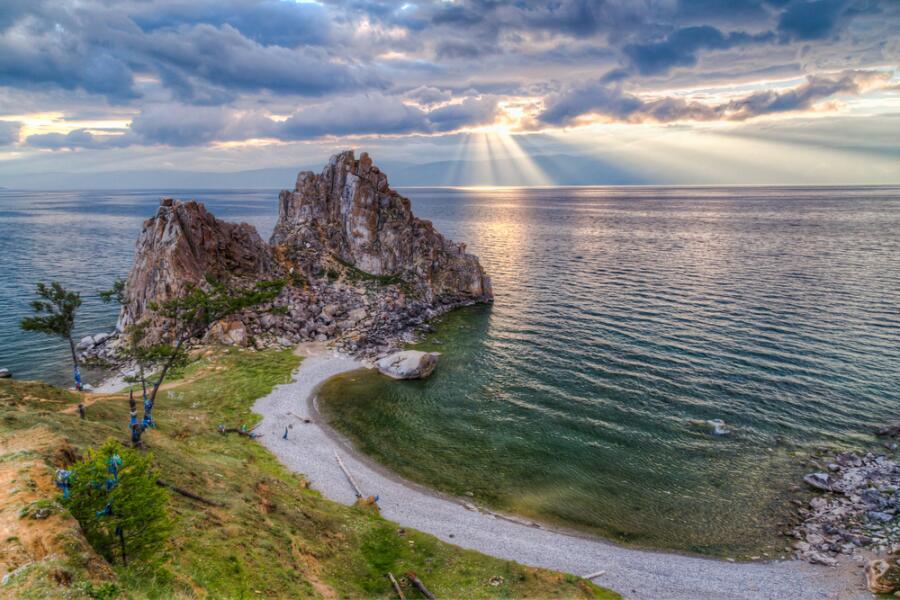Шаманская скала, озеро Байкал
