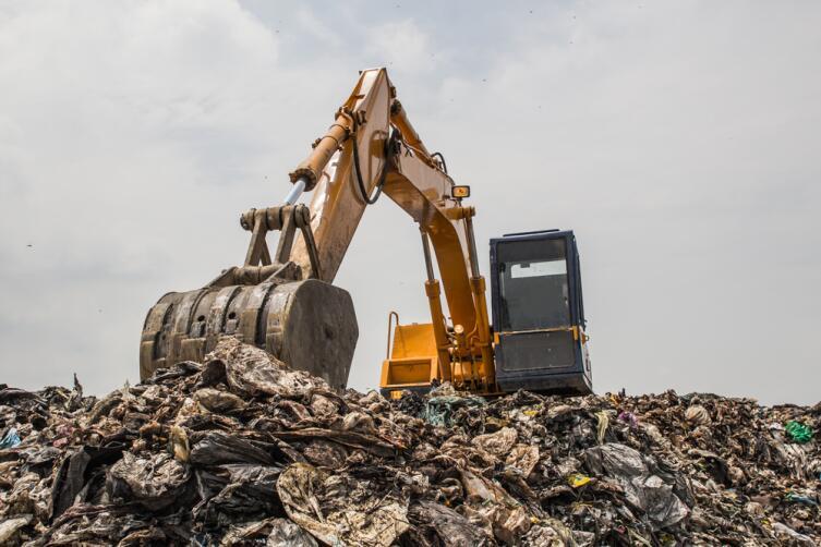 Как решить проблему утилизации мусора в России?