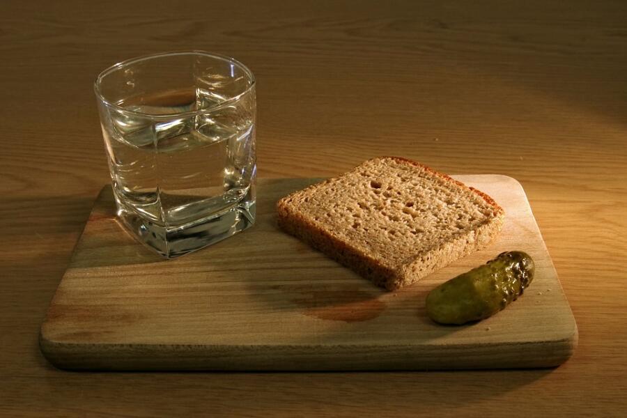 Гости на пороге. Какие закуски подать под водку?