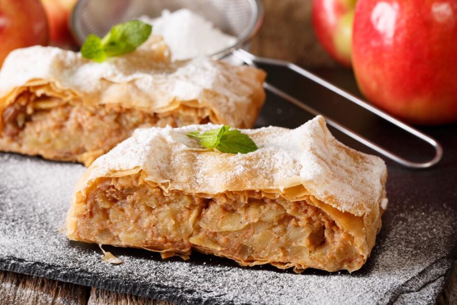 Настоящий венский яблочный штрудель: как его приготовить?