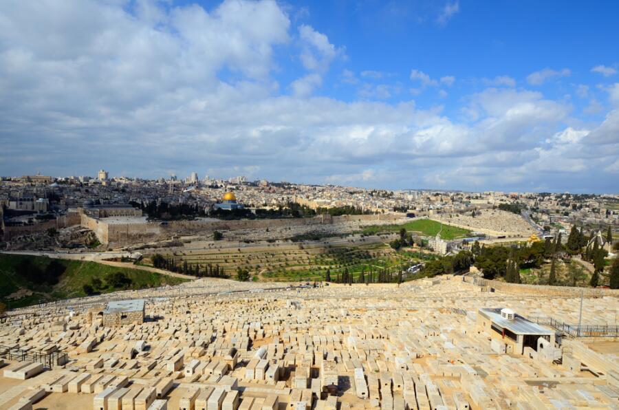 Вид на Иерусалим с масляничной горы от кладбища