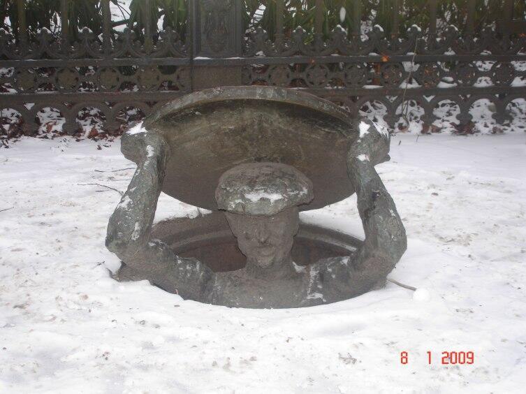 Памятник сантехнику в Стокгольме