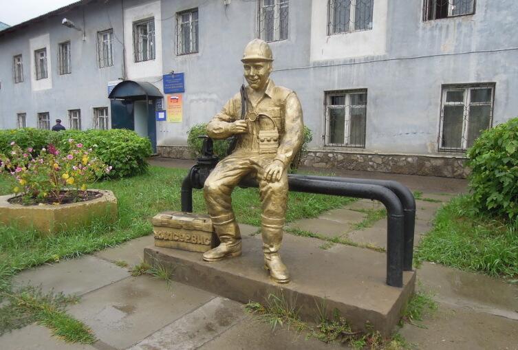Памятник сантехнику в Иркутской области