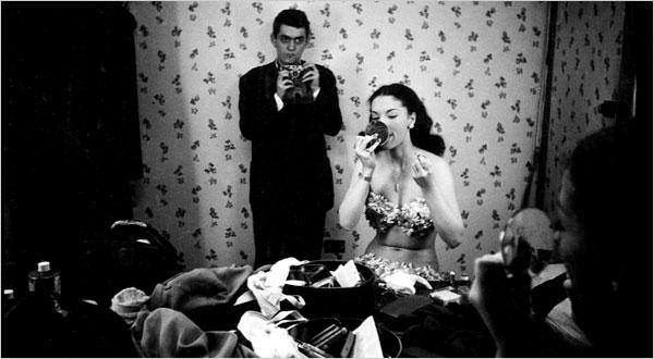 Стэнли Кубрик делает фотографию Розмари Уилльямс для журнала Look в 1949 году