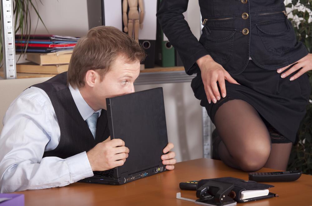 Секс с новой работницей